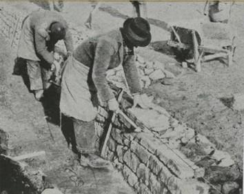 Ouvriers civils au travail