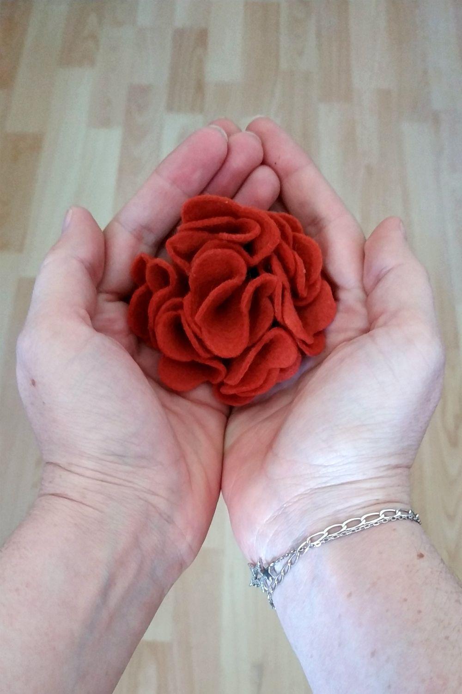 Tutorial: flores de fieltro en 5 minutos   Pimienta y Purpurina
