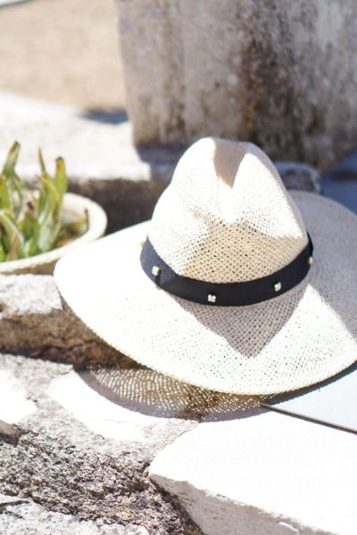 Fashion Upcycling DIY Projekt - Kristalle annähen | Pimp my Strohhut