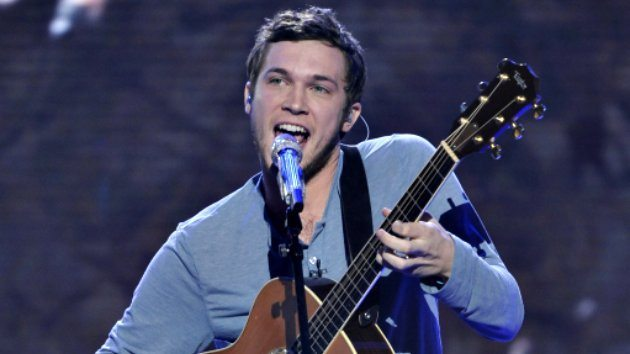 American Idol Season 11 Finale: Phillip Phillips and Jessica Sanchez face off