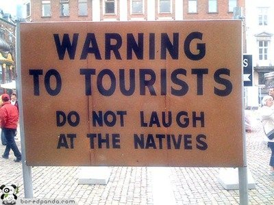 Funny-Signs-Tourists-58
