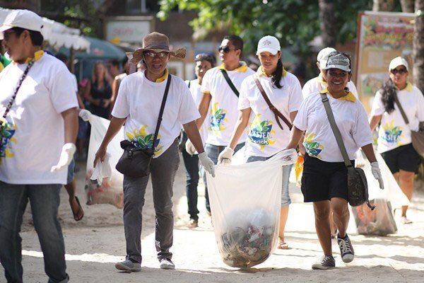 16th-NESTEA-Beach-Clean-up-03