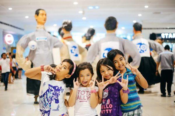 Kids enjoy the 30 Higantes parade at SM Center Angono