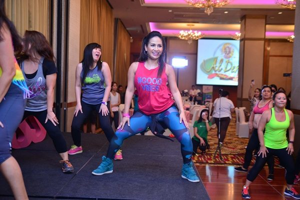 Working out no longer means sore muscles and slogging away as celebrity mom and certified zumba instructor Regine Tolentino refreshes the workout habits of Jeunesse Anion's Fun, Food, and Fitness mom attendees