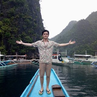 """Paolo Onesa Films Music Video For """"Atin Ang Gabi"""" In Coron"""
