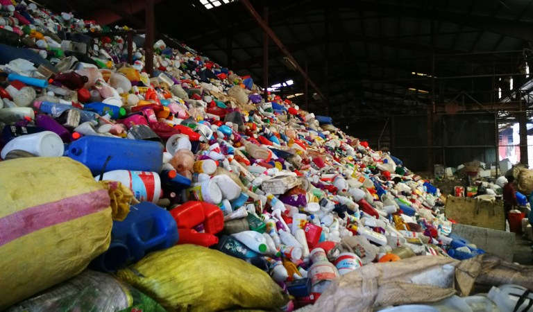WWF Continues to Fight Against Plastic Pollution, Advocates for an Extended Producer Responsibility Scheme in the Philippines