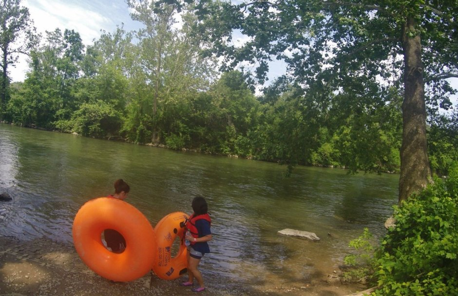 Tubing in Shenandoah River