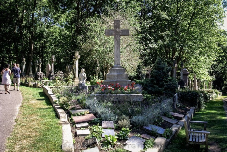 Highgate Cemetery, London - PinayFlyingHigh.com-18