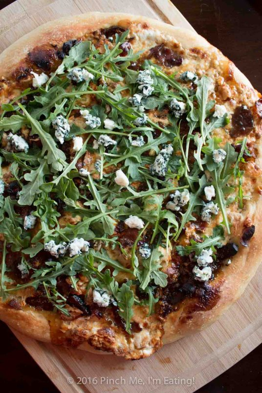 It's like a pizza and a fancy cheese board had a baby, and this gourmet fig, bacon, and blue cheese pizza with balsamic caramelized onions is it, all grown up and sophisticated. Inspired by authentic Portuguese ingredients from Try the World! | www.pinchmeimeating.com