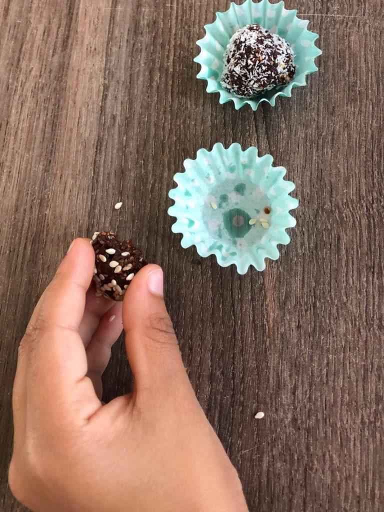 Energieballetjes met cacao en noten