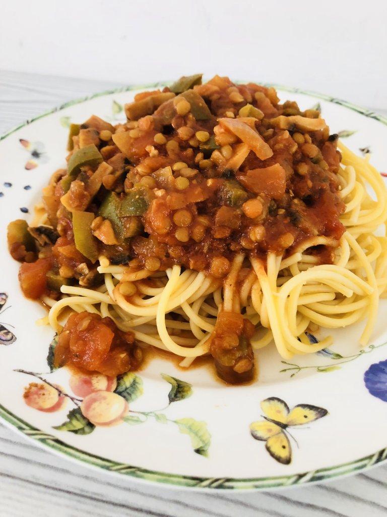 Spaghettisaus met linzen - pasta vegetarisch - makkelijke recepten - PinGetest