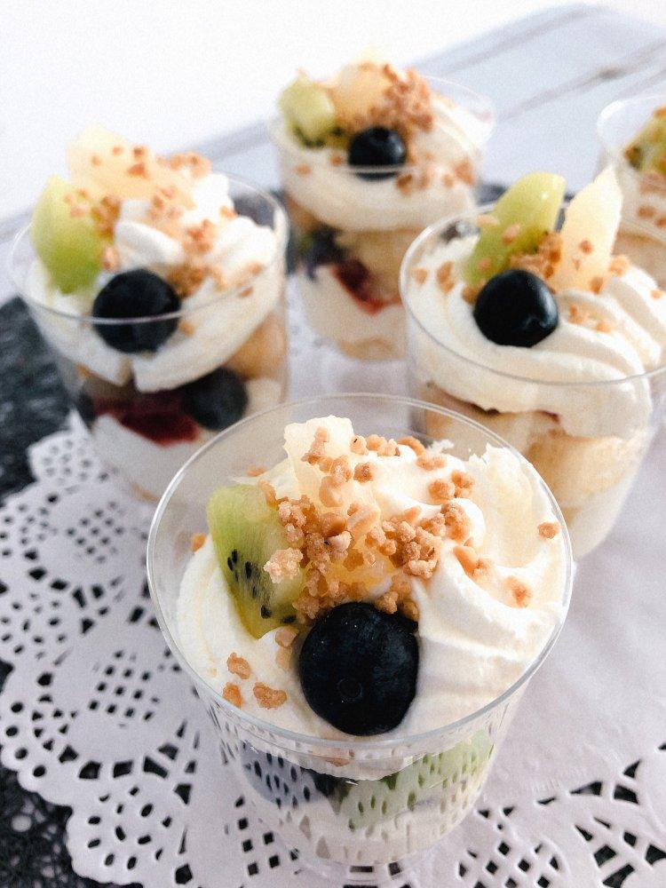 Slagroomtaart dessertglaasjes recept feestelijk dessert maken - makkelijke desserts - -2