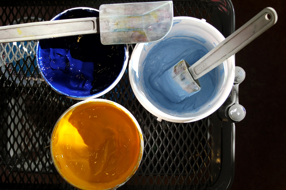 Screenprinting waterbased inks
