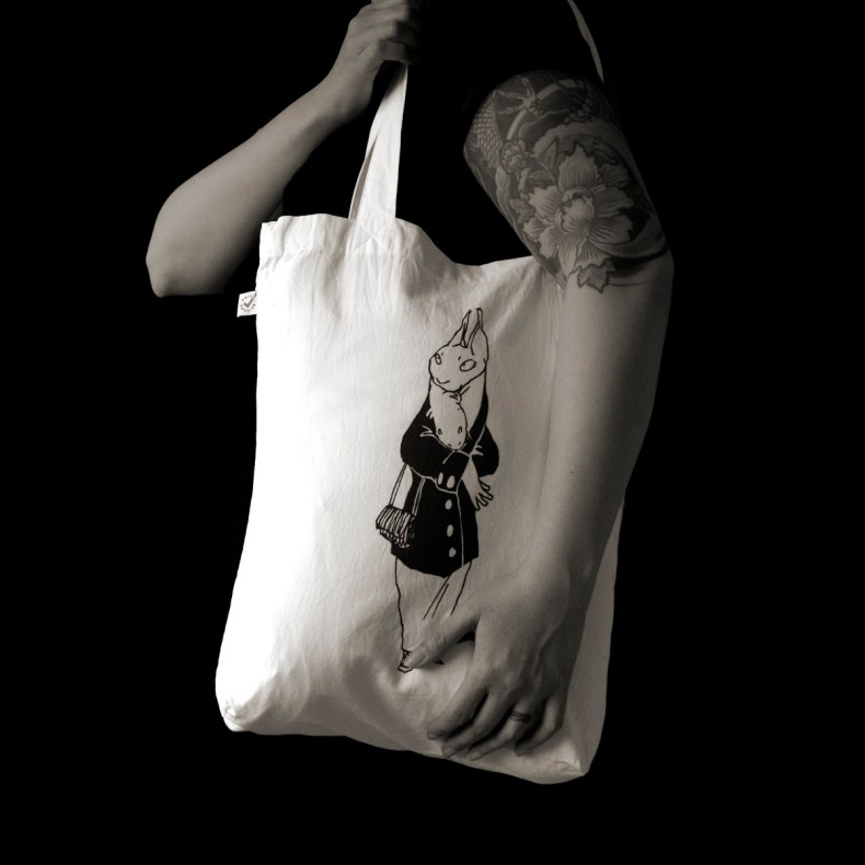 fashion victim totebag