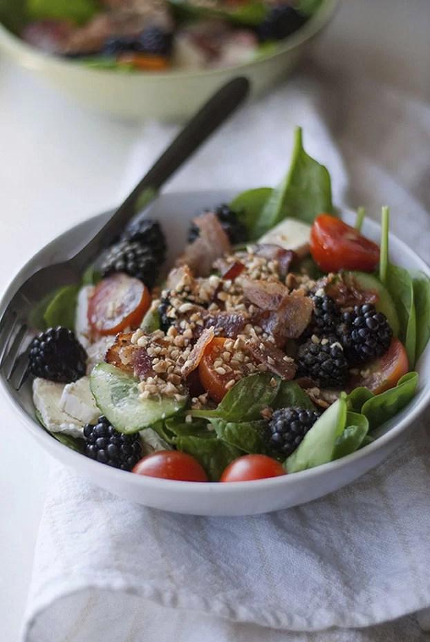 Pomysly na lunch salatka z jezynami