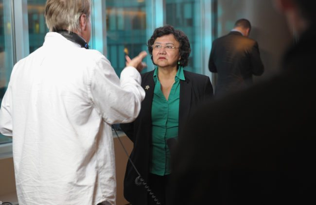 "NUEVA YORK, NY - 18 DE JUNIO: El sujeto de la película Lupe Valdez asiste a la premier de HBO de ""The Out List"" en el teatro de HBO el 18 de junio de 2013 en New York City. (Foto de Michael Loccisano / Getty Images para HBO)"