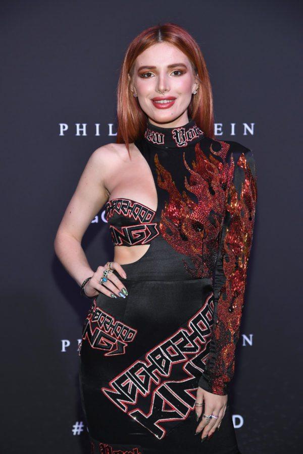 NUEVA YORK, NY - 09 de septiembre: Bella Thorne asiste al desfile de moda de Philipp Plein durante la Semana de la Moda de Nueva York: The Shows at Hammerstein Ballroom el 9 de septiembre de 2017 en la ciudad de Nueva York. (Foto por Dimitrios Kambouris / Getty Images para NYFW: Los espectáculos)