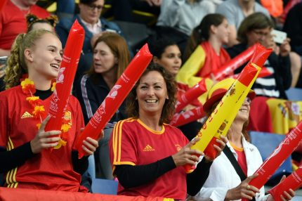 Spain's supporters cheer prior to the UEFA Womens Euro 2017 football tournament match between England and Spain at Rat Verlegh Stadion in Breda city on July 23, 2017. / AFP PHOTO / DANIEL MIHAILESCU (Photo credit should read DANIEL MIHAILESCU/AFP/Getty Images)