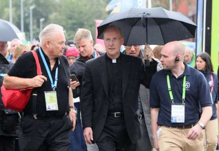 Pro-LGBT Jesuit priest James Martin (C) arrives at the World Meeting of Families in Dublin on August 23, 2018.