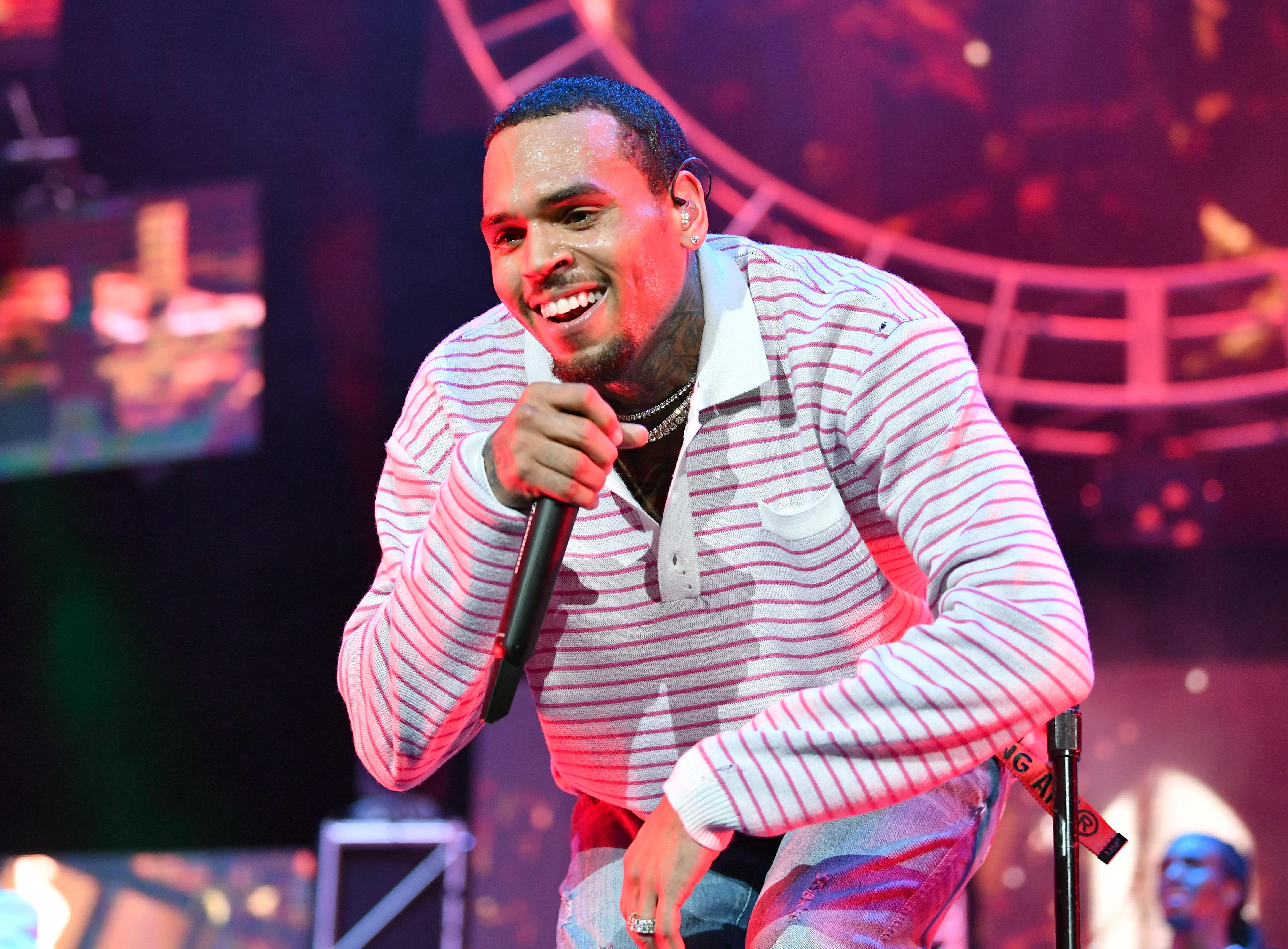 Chris Brown ayant le sexe gay