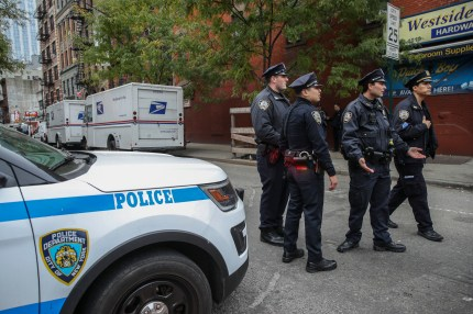 New York Police respond to a suspicious package at a U.S. Post Office facility at 52nd Street and 8th Avenue in Manhattan, October 26, 2018 in New York City.