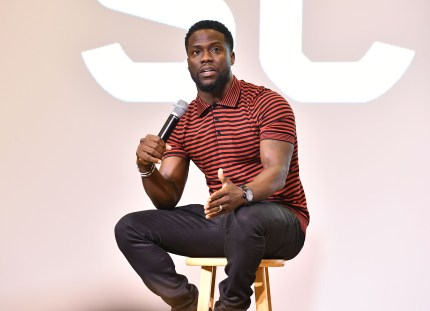Kevin Hart apologises to LGBT community