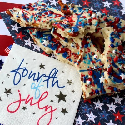 4th of July Almond Pretzel Bark Recipe