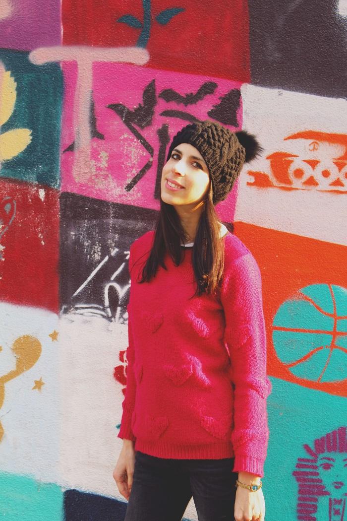 pink-sweater-fur-beanie