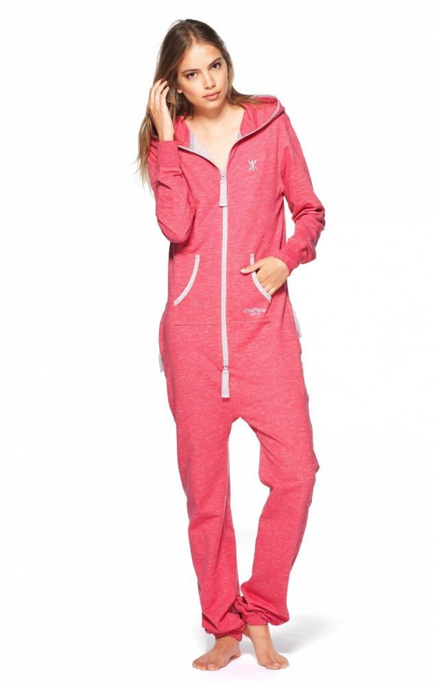 original onesie light grey  calypso coral 2 1440x2274 - De Onesie: Teletubbie of Fashion?