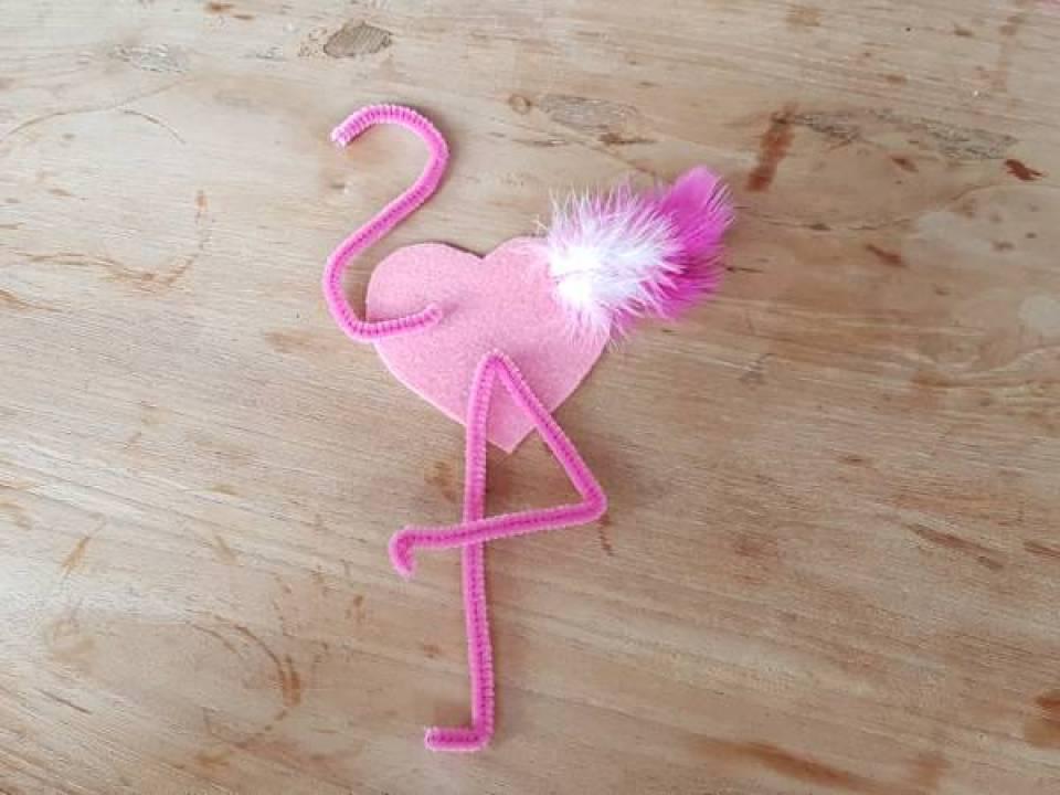 Flamingo versiering Knutselen met Sien en Co knutselblog voor Mommy loves Pink de onderdelen - DIY de Roze Flamingo