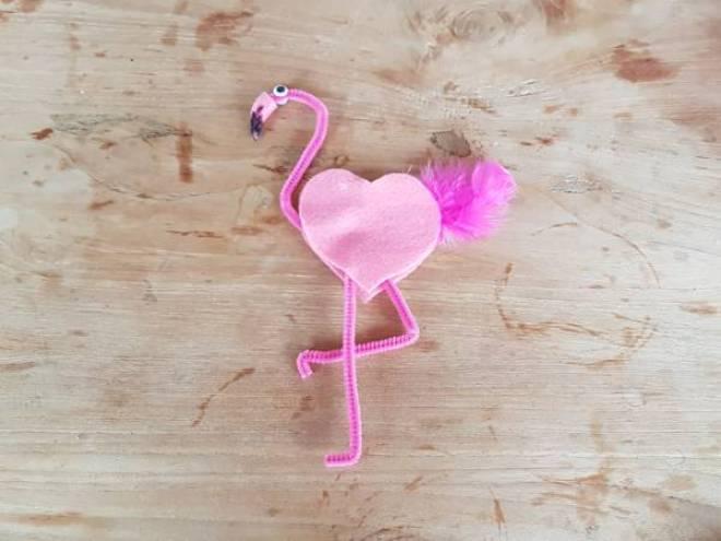 Flamingo versiering Knutselen met Sien en Co knutselblog voor Mommy loves Pink - DIY de Roze Flamingo