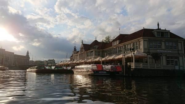 DSC 0091 - Als toerist door Amsterdam met de Pizza Cruise