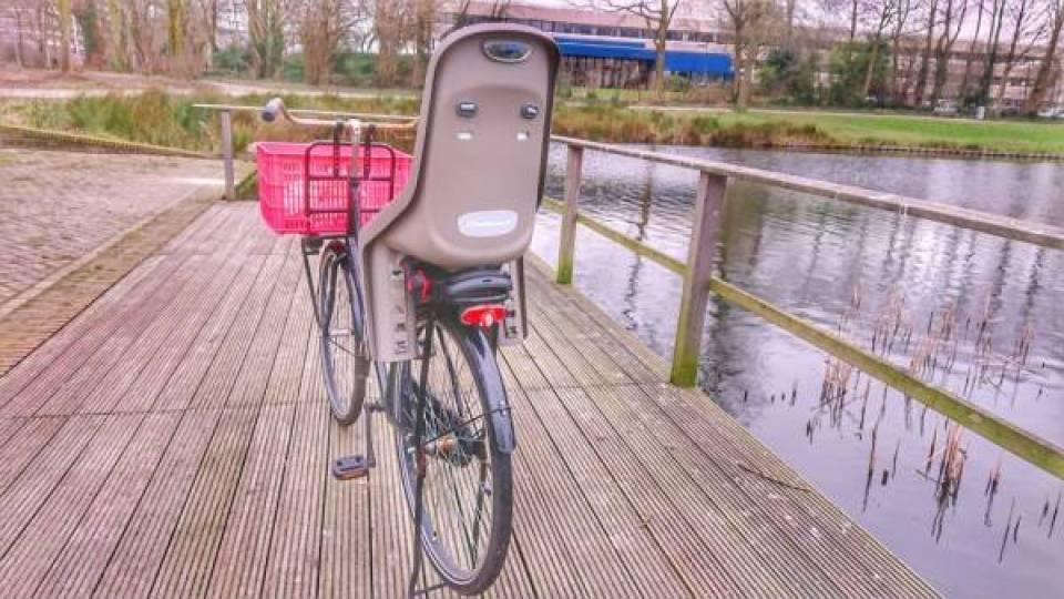 DSC 1381 01 - Review | Polisport Bubbly Maxi+ fietsstoeltje voor achterop de fiets
