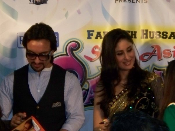Kareena Kapoor & Saif Ali Khan at the South Asian Carnival - Chicago 89530