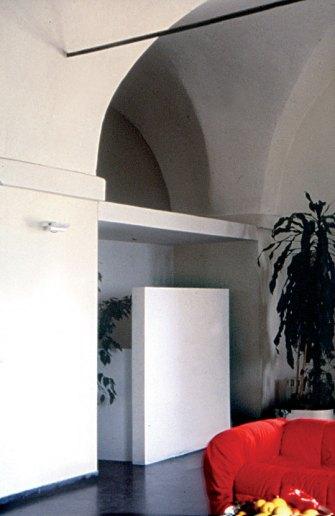 house_11_entrance
