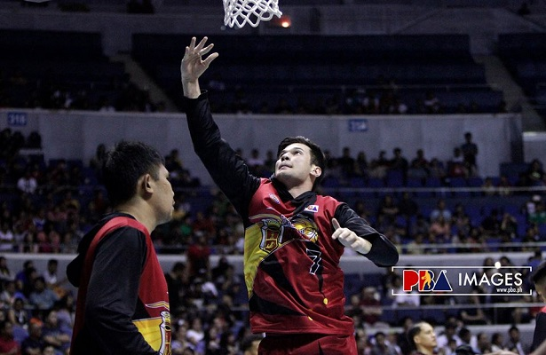 PBA Finals San Miguel Beermen vs Ginebra Game 3-4q