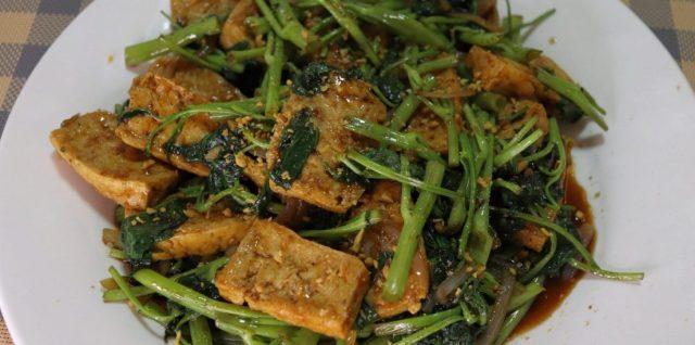 Kangkong and Tokwa in Oyster Sauce Recipe