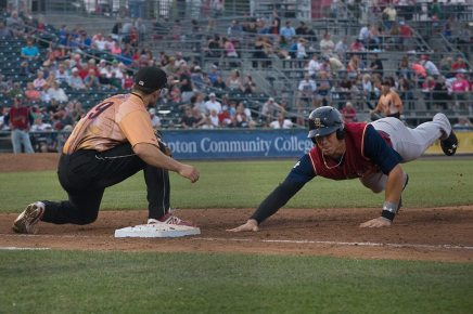 Aaron Judge sliding back into first (Cheryl Pursell)