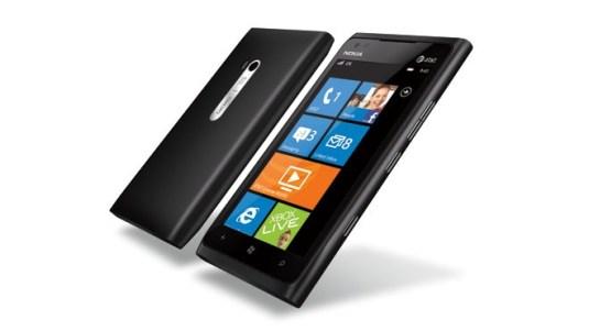 Nokia Lumina 900, Gentleman start your pre-orders!