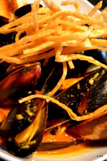 Lockdown Bar and Grill (beer and mussels)
