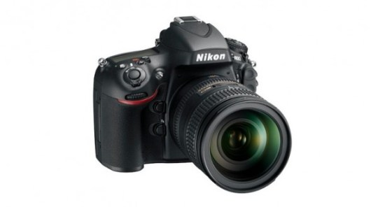Nikon D4 and D800 DSLR, viewfinder, focus, lockup issues