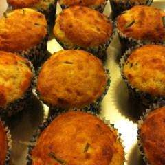 Cupcakes salados de pera, queso gorgonzola y nueces