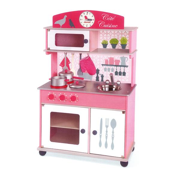 cocina-de-madera-cote-cuisine-rosa_Eurekakids_PintandoUnaMama