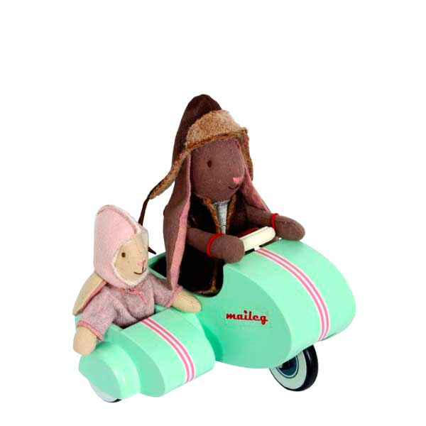 moto-con-sidecar-de-madera