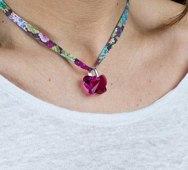 Collar_Mariposa_Rosa