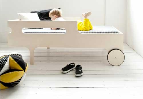 cama-infantil-con-ruedas