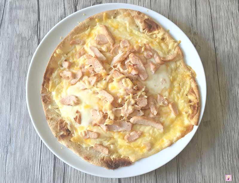 Deliciosa_Pizza_Piadina_de_Queso_y_Pollo