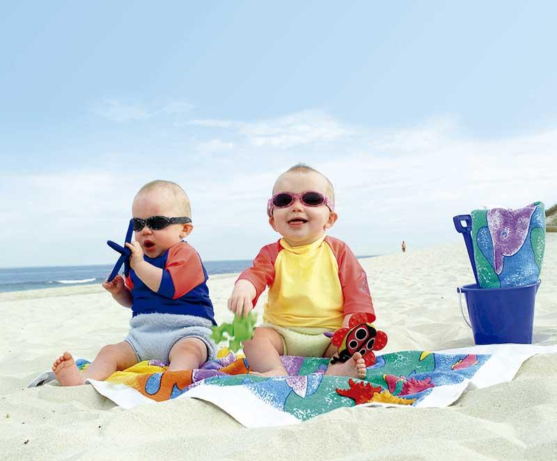 38cf0f6651 Gafas de Sol para bebés y niños Dooky Baby Banz | Pintando una mamá