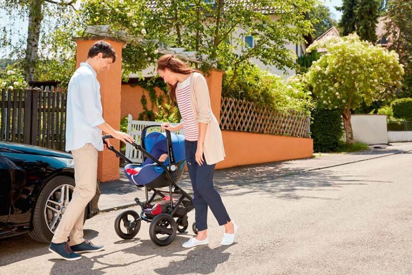 silla-de-automovil-portabebes-baby-safe-i-size-de-britax-romer