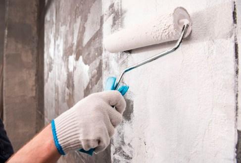 consejos pintar pared humedad